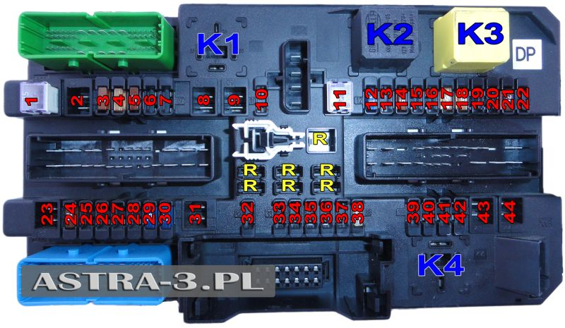 fuses and relays in the luggage compartment opel astra h Opel Astra